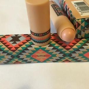 Tumbleweed - MAC Vibe Tribe Patentpolish Lip Pencil 💛  💛